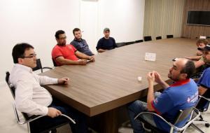 Prefeito Cantelmo Neto recebeu adeptos do som automotivo: ideia é organizar a atividade sem prejudicar população