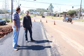 Prefeito Cantelmo Neto acompanhou os serviços de adequação para melhorar o trânsito da nova avenida Natalino Faust, próximo ao Detran