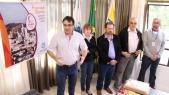 Prefeito Cantelmo Neto anunciou nesta sexta a inclusão de Beltrão no revezamento da Tocha Olímpica, em julho do ano que vem; no ato também Luciana Rafagnin, Viro de Graauw, Osmar Urio e Almir Hugo Lopes