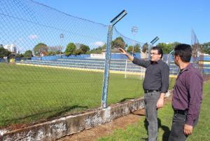 Prefeito Cantelmo Neto e o assessor administrativo Adams Brizola visitaram o estádio nesta semana para conferir a necessidade das melhorias