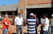 No bairro São Francisco, prefeito Cantelmo Neto visitou a unidade de saúde que está em construção e que deve começar a funcionar nos próximos meses