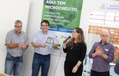Prefeito Cantelmo Neto recebeu exemplar do livro da Fomento Paraná que conta histórias de sucesso e que tem participação de empresário beltronense