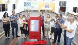 A primeira pista pública de bolão da cidade foi inaugurada nesta sexta pelo prefeito Cantelmo Neto, bolonistas e familiares do atleta Cobrinha, que empresta o nome ao centro esportivo