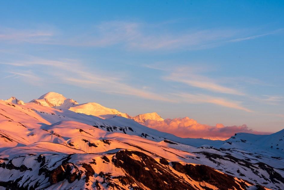 Le Mont-Blanc prend ses couleurs du soir