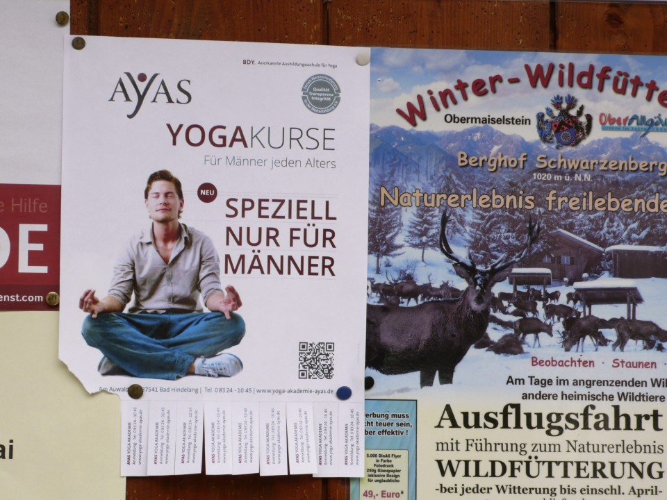 YogaKurse means Yoga Course and not Yoga Curse (just in case you can't read German and that crossed your mind!).  Special class for men!  I absolutely love this.  In this tiny town, there is a yoga course uniquely for men.