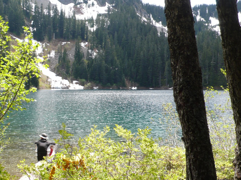 Annette Lake lies in a cirque, surrounded by mountains.