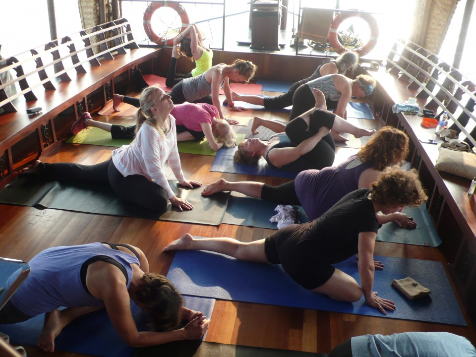 Houseboat yoga in Kerala!