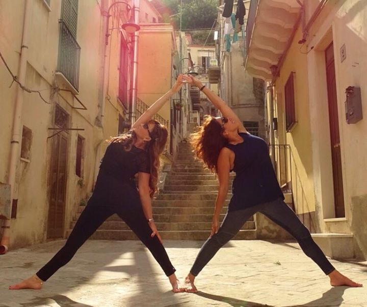 In Modica, we saw this street called Via Ritiro (Retreat Street) and had to do a yoga pose!