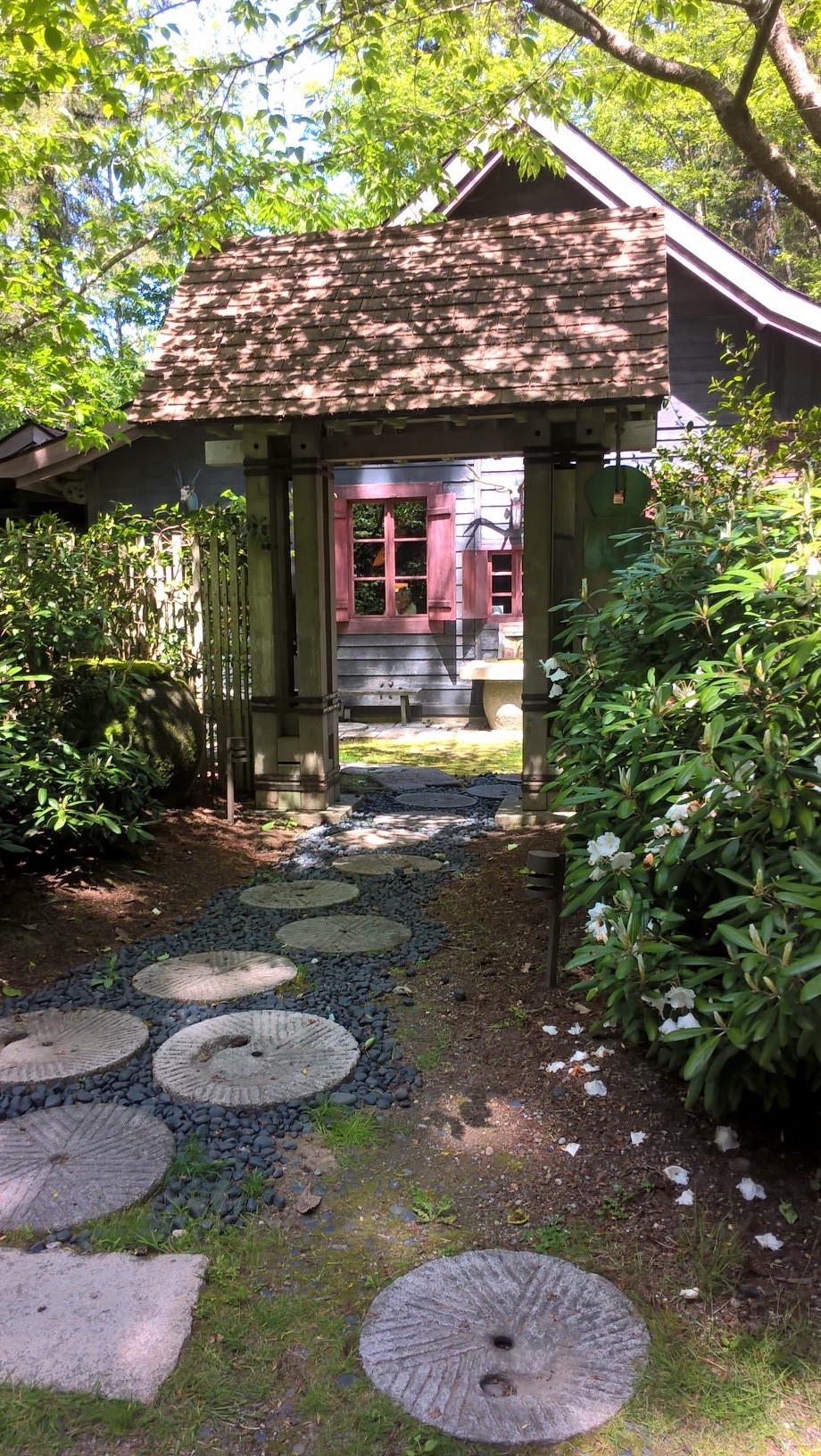 One of the entrances to the Chinese Tea Merchant's House, where most of our yoga took place. Gigantic doors open up to the landscaped garden and forest beyond.