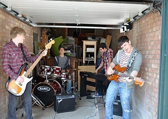 Ben and friends playing in the band in Soundtrack to Sixteen