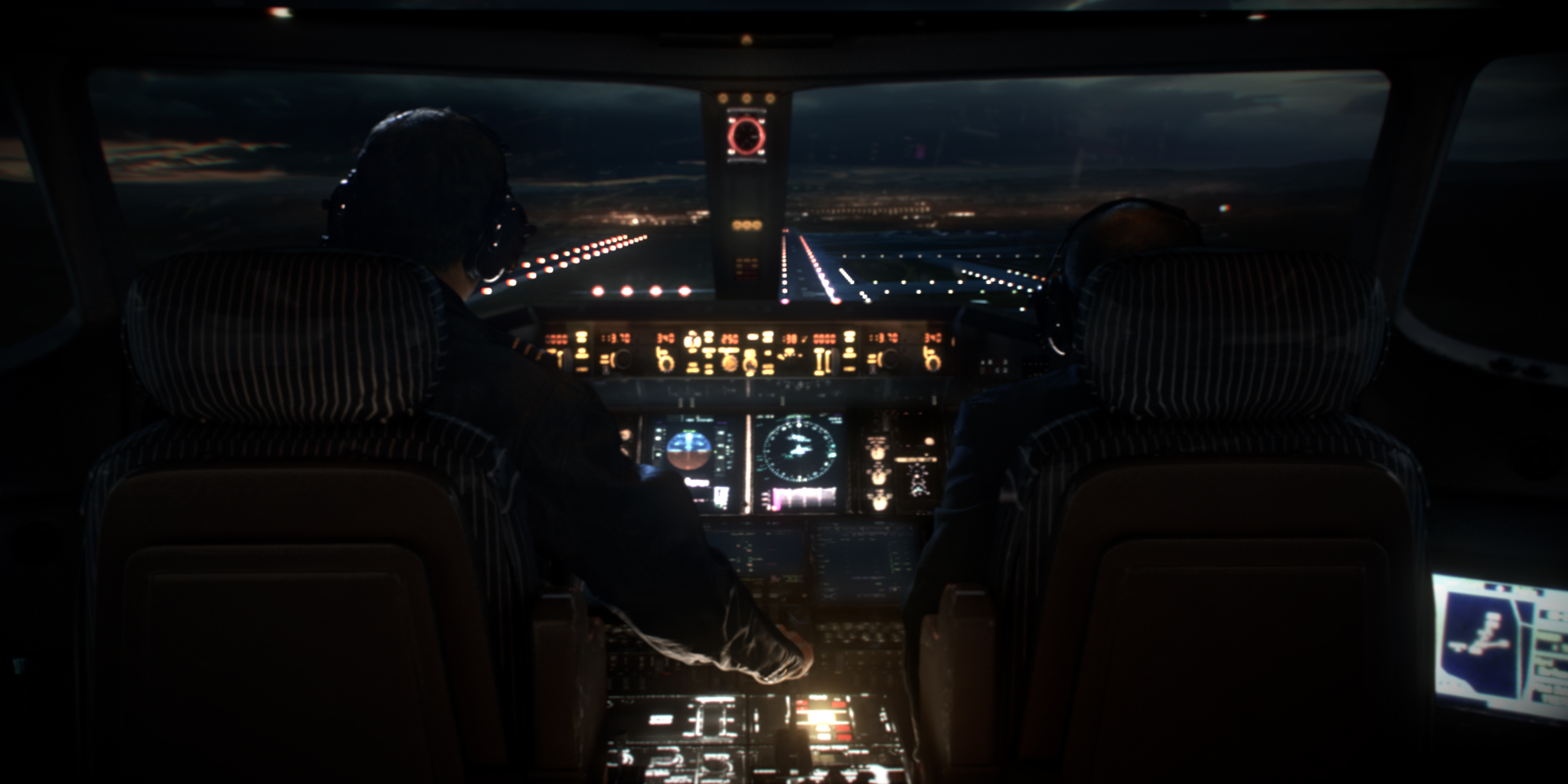 Plane-Landing-at-Night