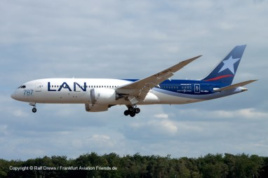 ... where photos like this B787 are possible.