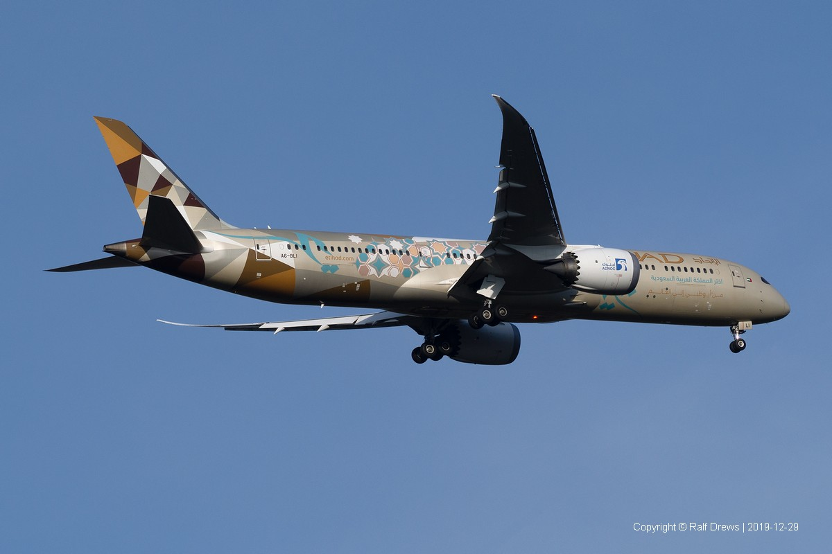 A6-BLI Etihad Airways Boeing 787-9 Dreamliner (ln 459)