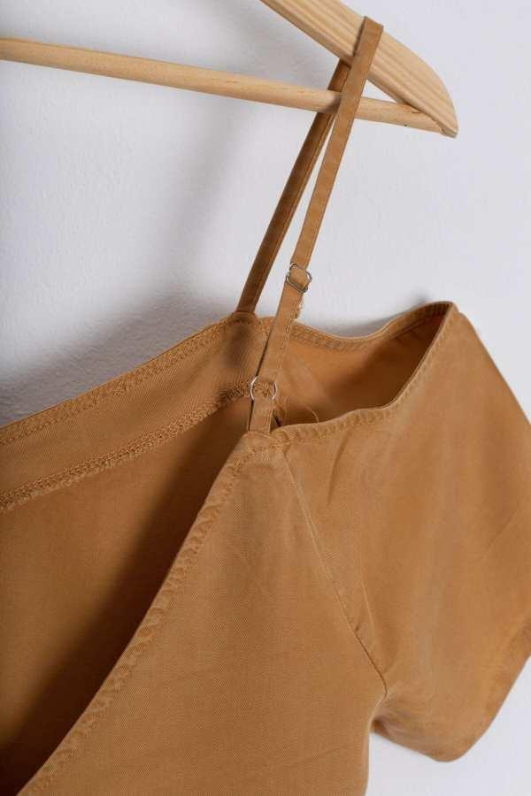 Produktfoto: Schulterfreies Kleid, Detail