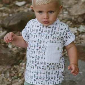 Tragebild: T-Shirt mit Kaktus Print
