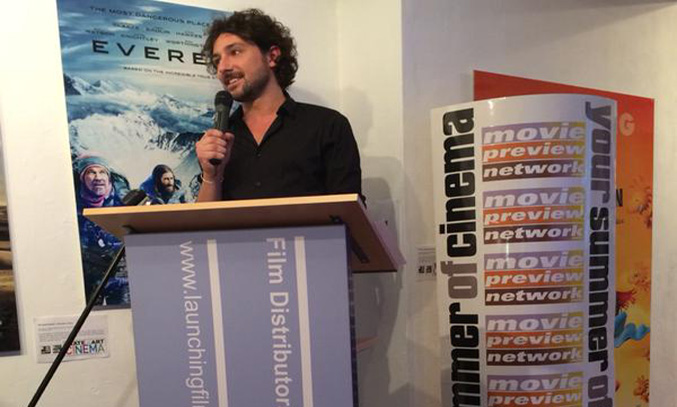 Alex Zane hosts The BIg Movie Quiz (Image Credit: @MoviePreviewNet)
