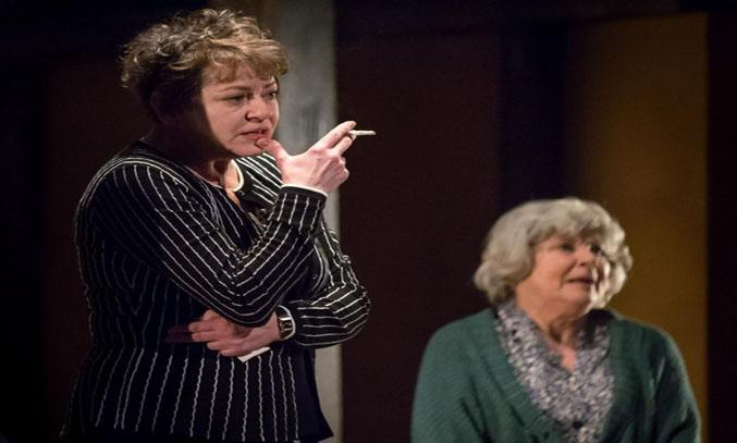 Suzan Sylvester and Jenny Lee in KINDERTRANSPORT