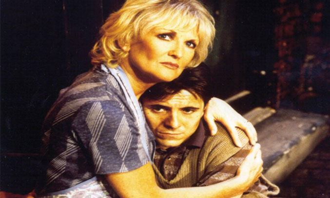 Lyn Paul in BLOOD BROTHERS