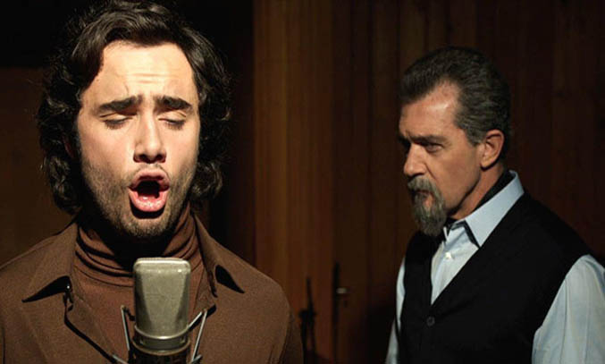Toby Sebastian & Antonio Banderas - The Music Of Silence