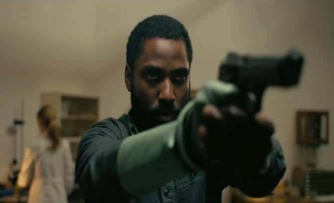John David Washington and Clémence Poésy in Tenet (2020)