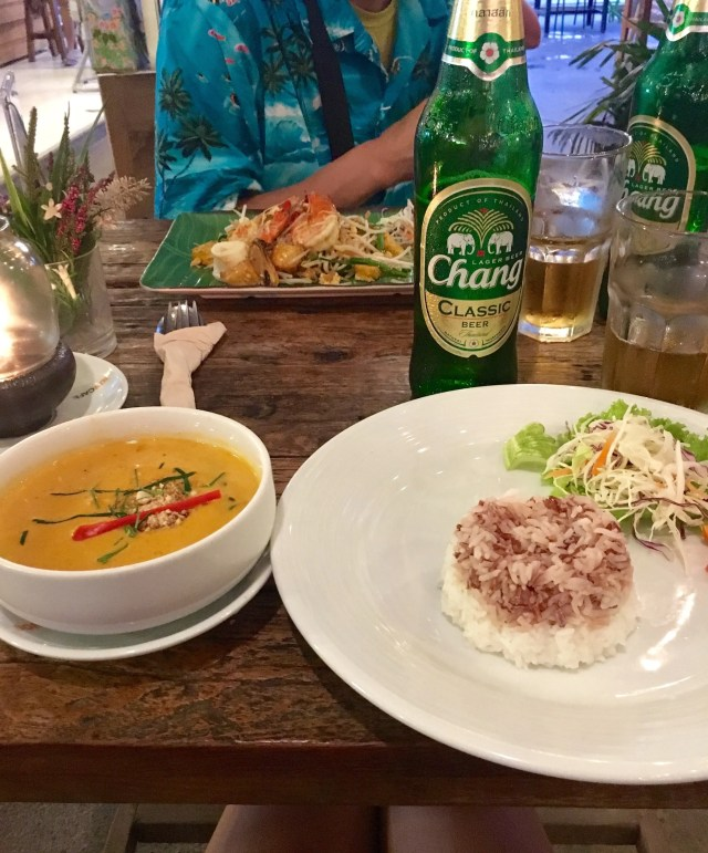 Red Thai Curry and rice, with a Chang (Thai Beer) for 400 THB