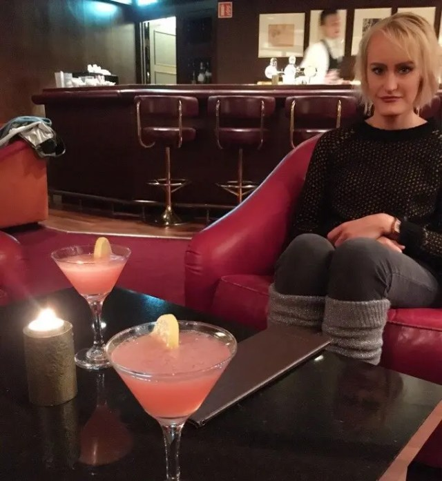 1,600 ISK cocktails at Hotel Holt, felt like the bar in the movie Passengers