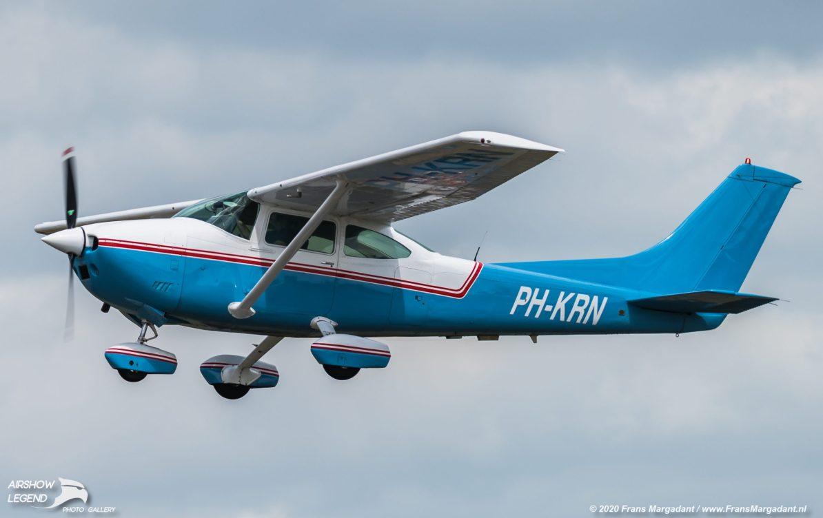 PH-KRN Cessna 182Q Skylane Airshow Legend