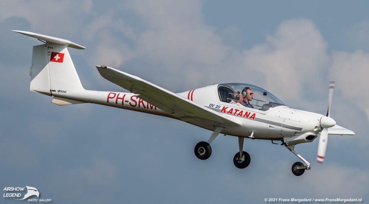 PH-SKM Diamond DV20 Katana Airshow Legend