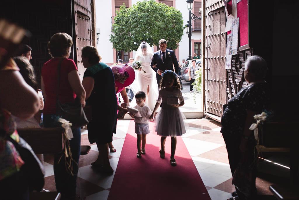 Boda en Montoro, entrando a la ceremonia