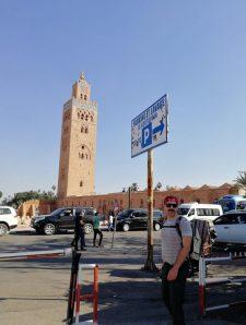 Marrakesch Koutubia Moschee mit dem Campervan