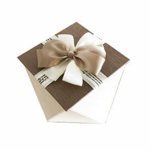 Scatola esagonale cartone beige con fiocco