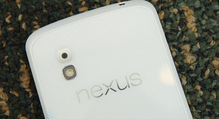 Nexus 4 bianco con Android 4.3: Uscita a Giugno?