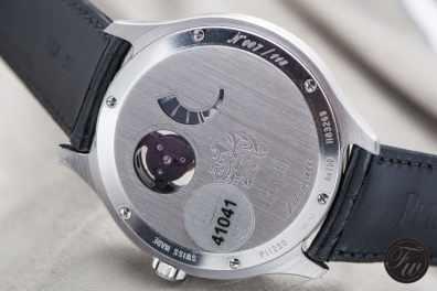 160118_Piaget XL700P-12