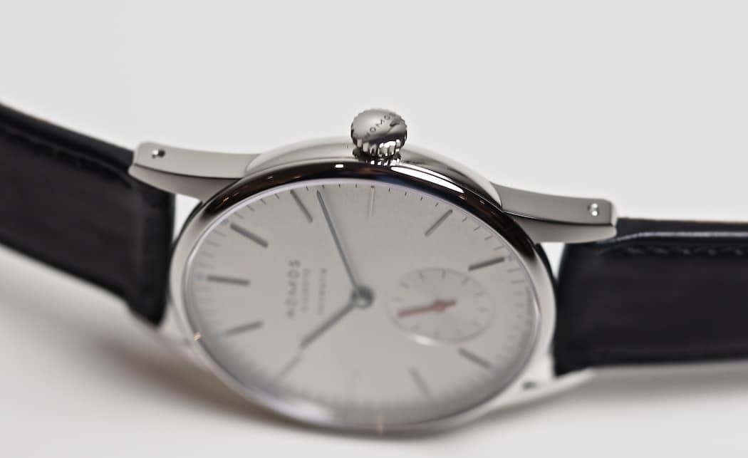 A look at the drilled lug holes on the Nomos Neomatik Orion