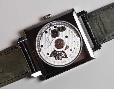 The DUW3001 as viewed through the back of the Nomos Neomatik Tetra