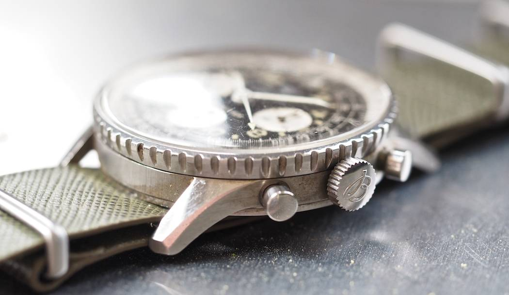 Breitling 809 Cosmonaute side shot - note the long, defined lugs and matte case sides