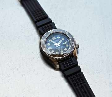 The Seiko MM300 on its waffle strap