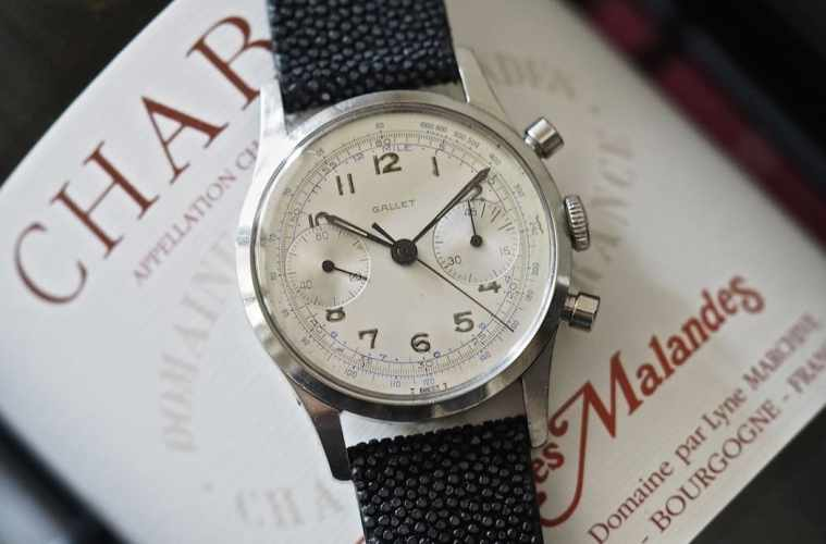 The Gallet Multichron 45 sports simple baton hands