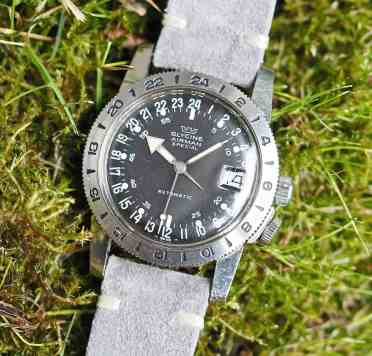 Tritium lume fills the hands found on the Glycine Airman