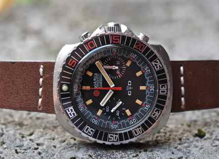 Viewed on its side, one can almost see the Stingray shape on the Roamer Stingray Chrono Diver