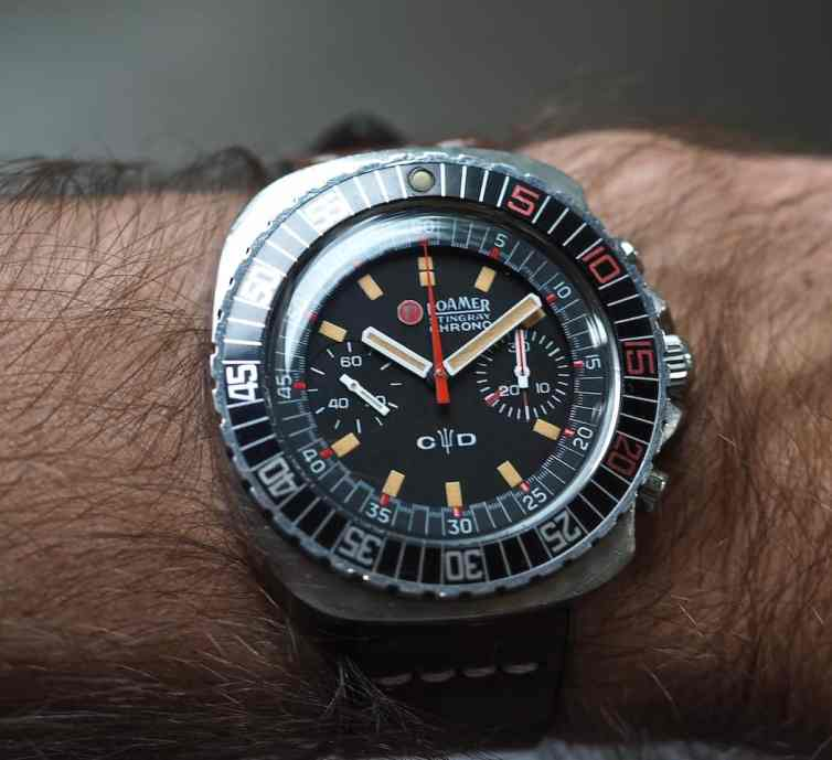 At 42mm but with no lugs, the Roamer Stingray Chrono Diver fits all wrists