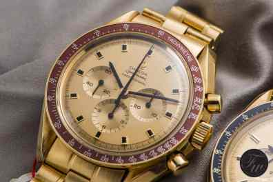 Speedmaster moonwatch in gold