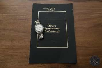 omega-speedmaster-white-gold-08373