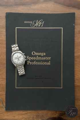 omega-speedmaster-white-gold-08375