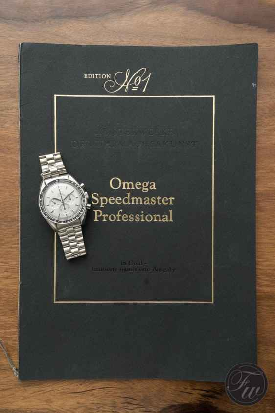 omega-speedmaster-white-gold-08375