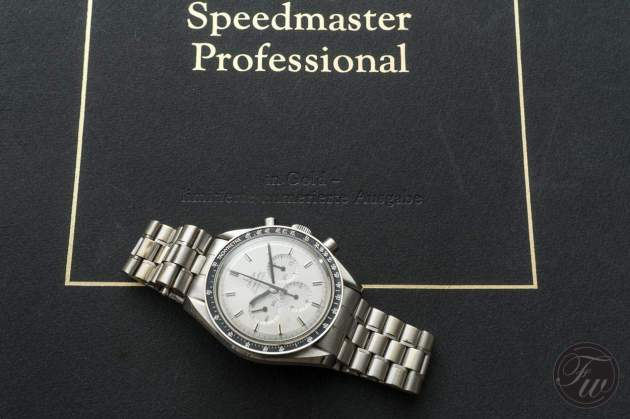 omega-speedmaster-white-gold-08376