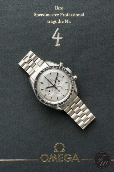 omega-speedmaster-white-gold-08383