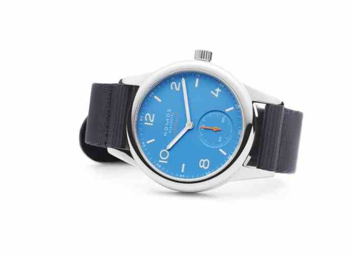 Colorful Nomos Club Neomatik: Blue and Red. A quick Baselworld 2017 Review