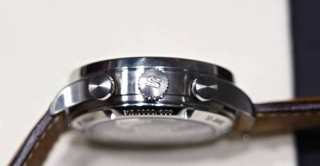 Sinn at Baselworld 2016: 910 Anniversary from the side