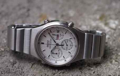 Seiko 7A38 with a deep dial